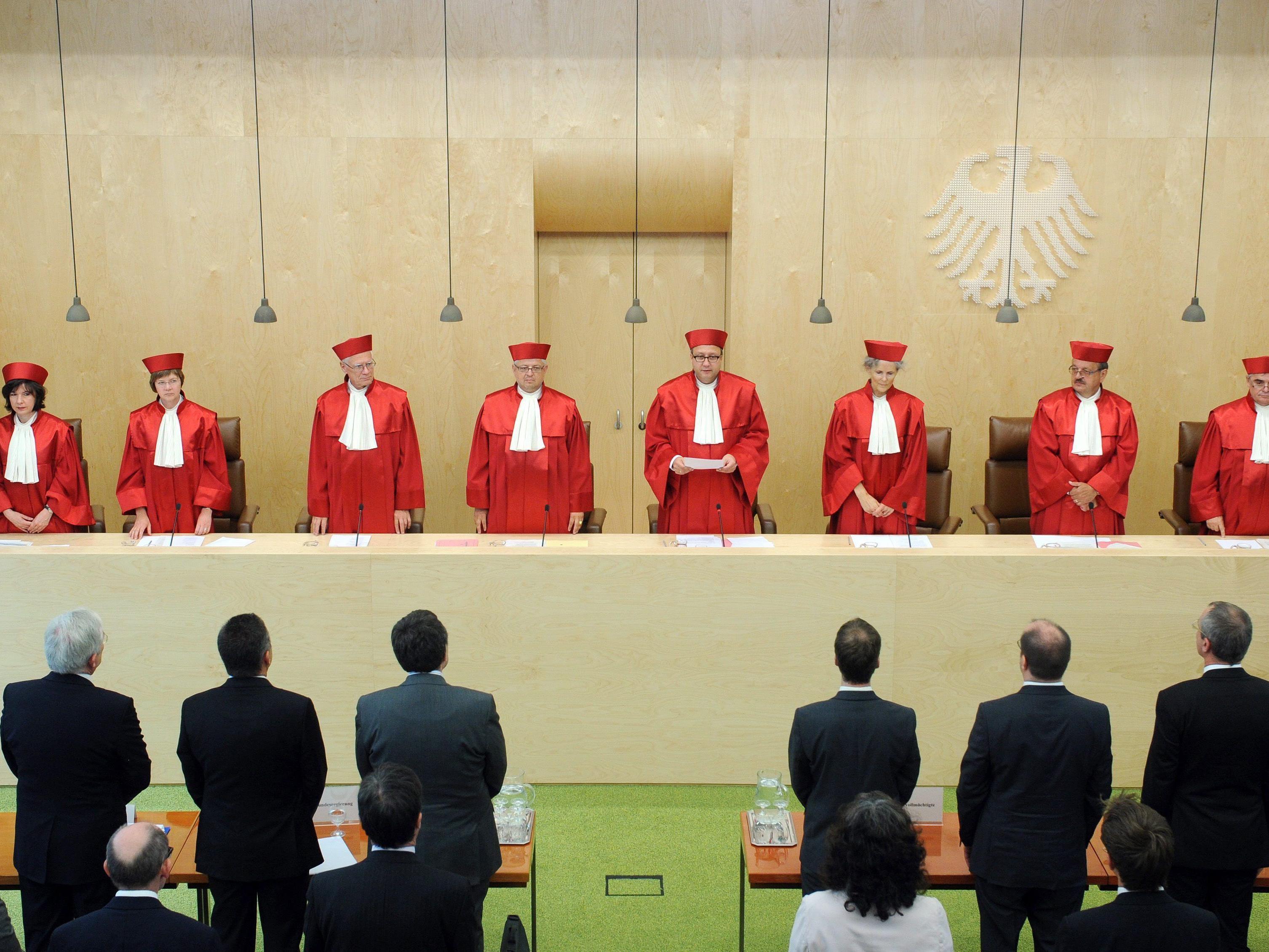 Deutsches Verfassungsgericht stärkt Parlamentsrechte in Euro-Krise.