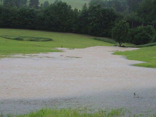 Nicht nur in Salzburg (Bild), sondern auch in Oberösterreich kam es zu zahlreichen Überflutungen.