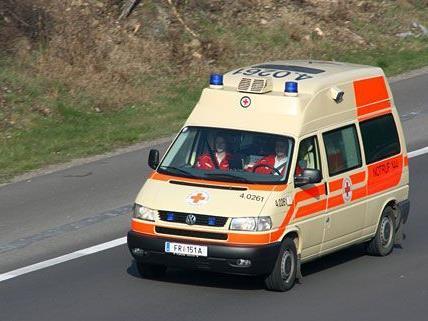 Vier Menschen wurden zum Teil schwer verletzt.