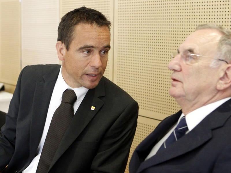 Scheuch mit seinem Anwalt, dem ehemaligen Justizminister Dieter Böhmdorfer.