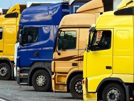 Wien-Favoriten: Zwei Männer versuchten Lkw aufzubrechen