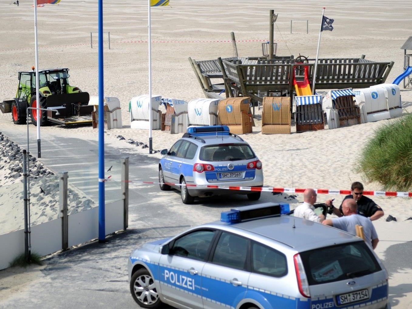 Unglück auf Amrum: Die Eltern des verstorbenen Sebastian sind bereits wieder in Österreich.