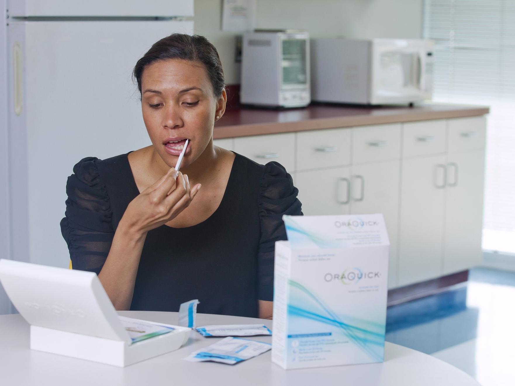 HIV-Test: Speichelprobe reicht. OraQuick ist rezeptfrei erhältlich und soll unter 60 Dollar kosten.