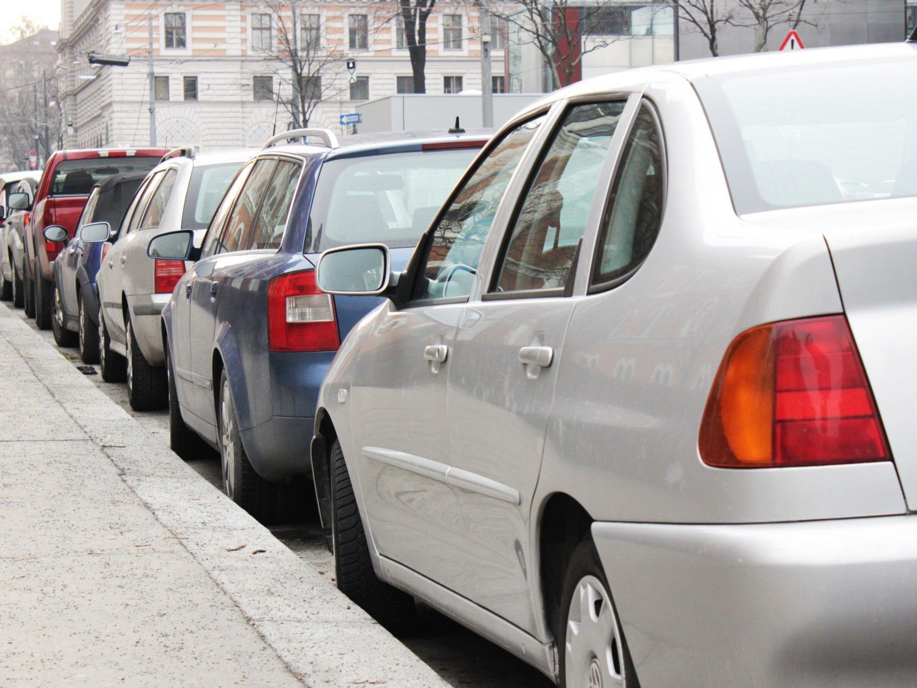 Wird es ein Parkplatzkrieg? Niederösterreich will künftig Wiener zur Kassa bitten.