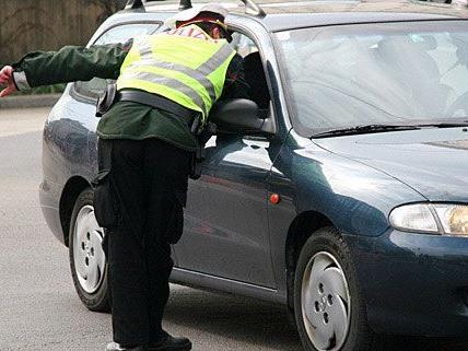 Polizisten wurden bei einer Kontrolle auf mutmaßliche Drogen-Dealer aufmerksam