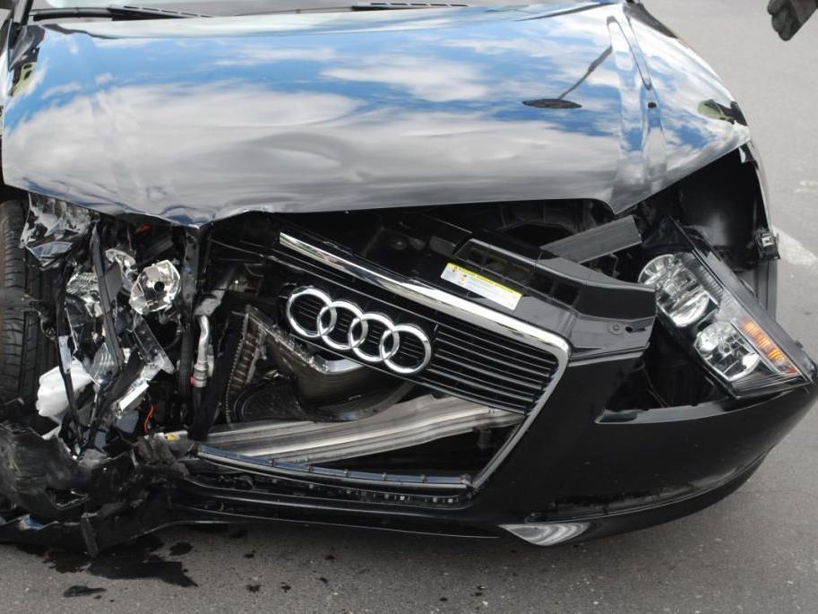 Gleich zwei schwere Verkehrsunfälle im Bezirk Neunkirchen