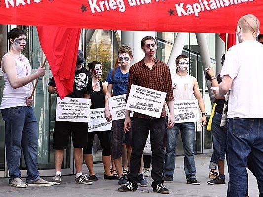 Bei der Zombie-Demo in der Wiener Wipplingerstraße