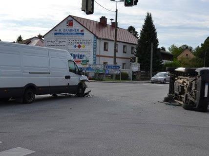 Am Mittwoch kam es in Pottenstein zu einem Unfall an der Kreuzung der B18.