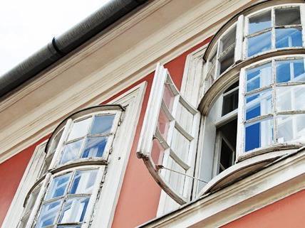 Die alkoholisierte Mutter hatte nicht einmal bemerkt, dass ihr Kind aus dem Fenster gestürzt war.
