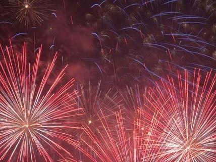 Stimmungsvolle Lichter und ein großes Feuerwerk erwartet die Besucher des Lichterfests am 14. Juli.