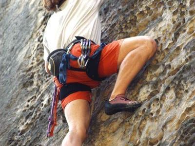 Den 44-Jährigen verließen gegen 10.10 Uhr etwa 100 Höhenmeter nach dem Einstieg in 920 Metern Höhe die Kräfte.