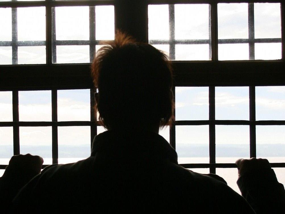 Pärchen lebte in Belgien wegen Mordfalles in derselben Strafanstalt.