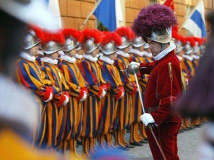 Am Mittwoch und Donnerstag sind Mitglieder der Schweizergarde zu Besuch in Wien.