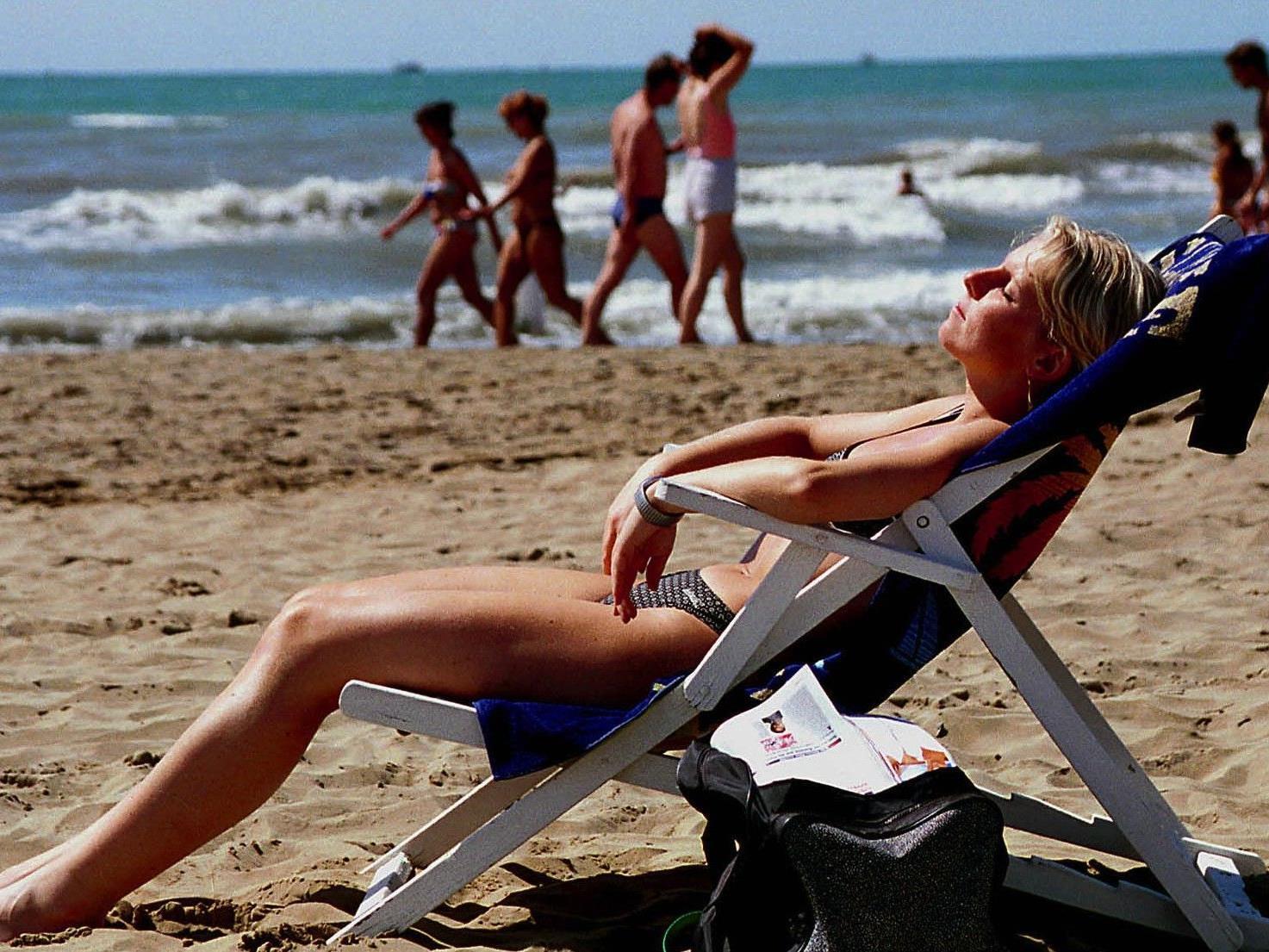 Sonnenbaden und Sonnenbrand gehen meistens Hand in Hand. Wir haben hilfreiche Tipps.