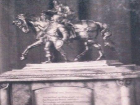 Bronzestatue aus dem Hotel Sacher ist wieder aufgetaucht
