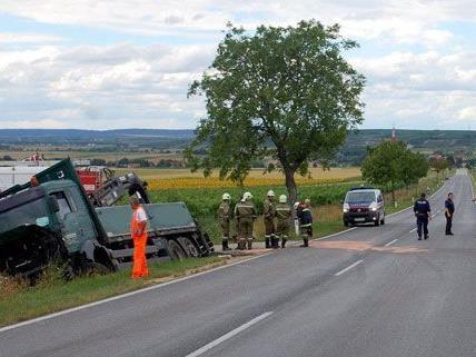 Ein Verkehrsunfall auf der B303 am Donnerstag endete für eine 76-Jährige tödlich.