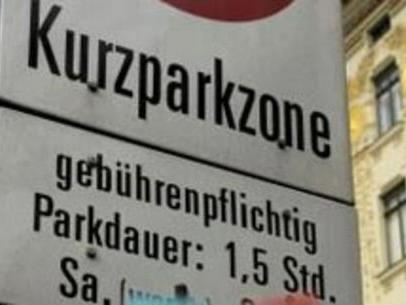 Bis zum 1. Oktober werden tausende neue Kurzparkzonenschilder aufgestellt.