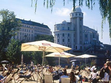 Die Wiener Schattenfestspiele gastieren in Salzburg und Bregenz