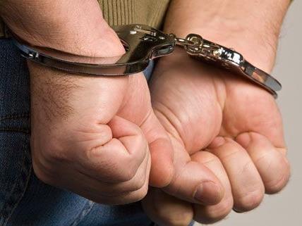 Mann nach Diebnstahl in Elektromarkt in Floridsdorf festgenommen