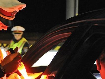 Ein Mann wurde in Leopoldstadt nach einem versuchten Autodiebstahl festgenommen.