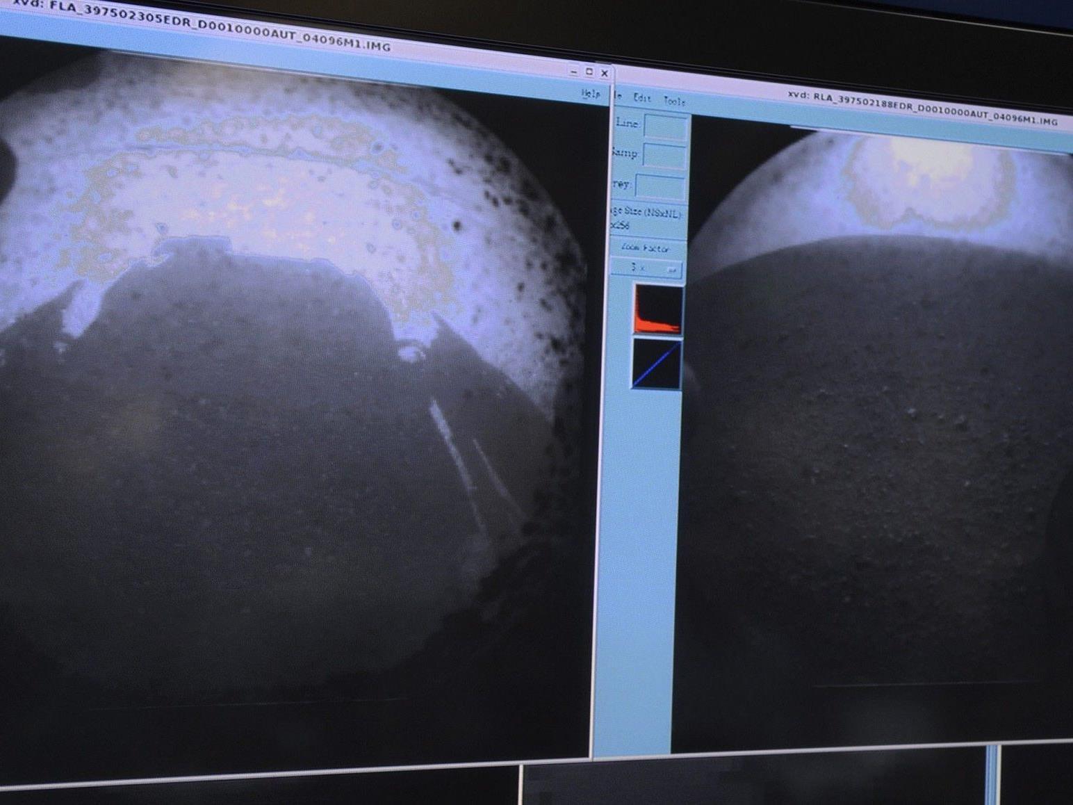 """Die ersten Bilder die """"Curiosity"""" vom Mars senden konnte."""