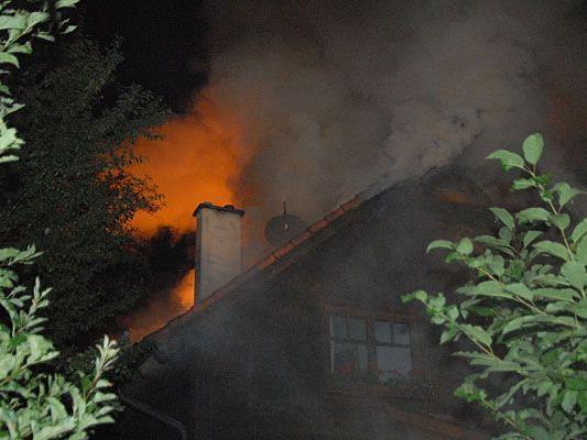In Mödling gab es einen schweren nächtlichen Dachstuhlbrand