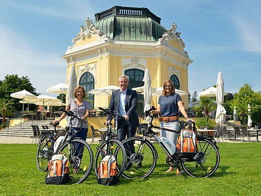 Der Tiergarten Schönbrunn erhielt drei umweltfreundliche Wien Energie-E-Bikes