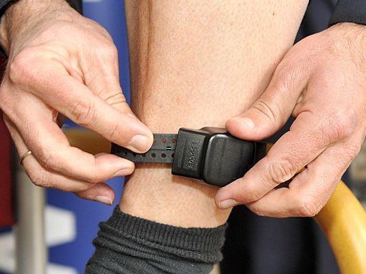 Es gäbe Alternativen zur derzeit in Österreich eingesetzten Fußfessel