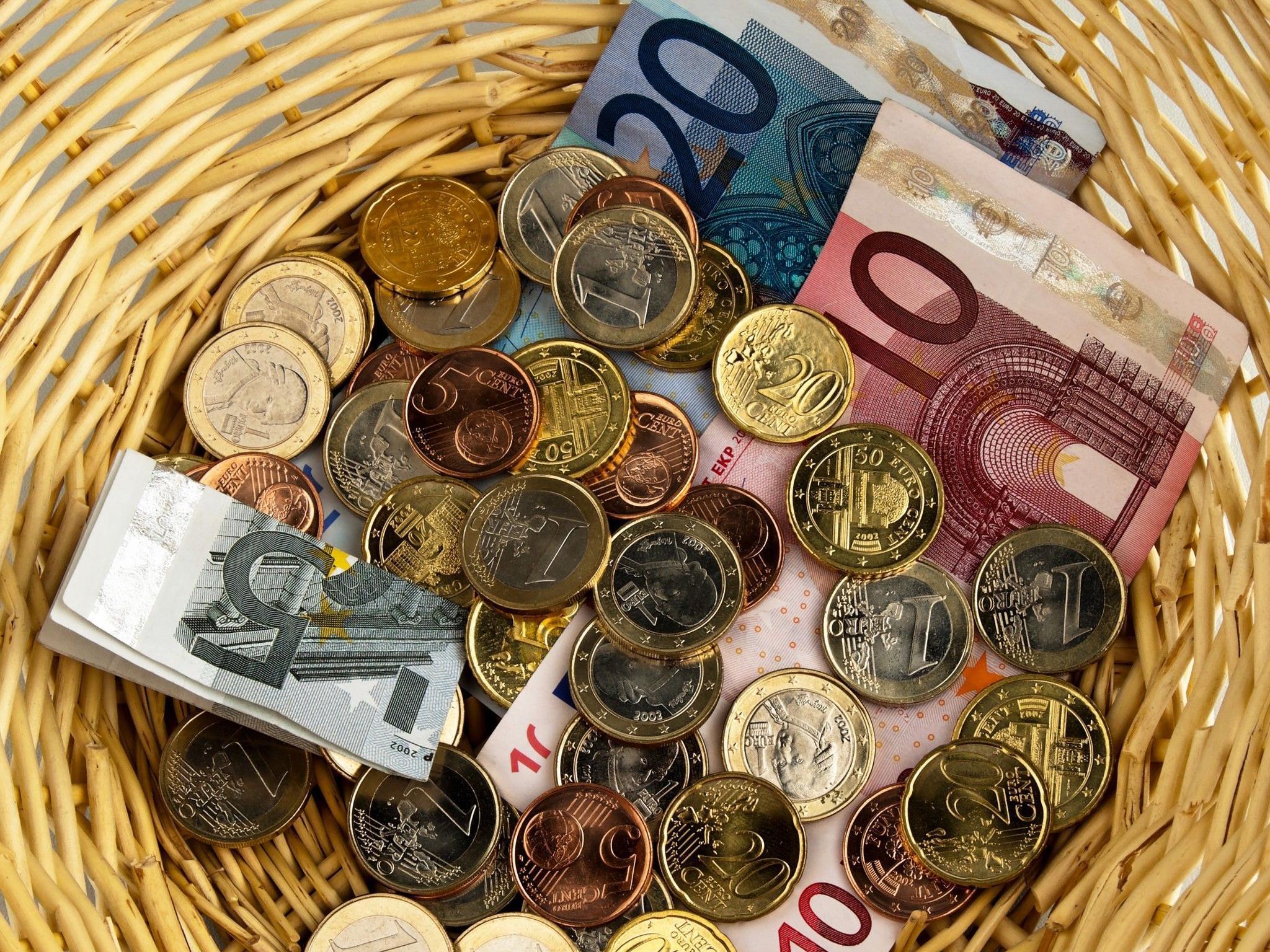 Rund 100 Euro konnten die Diebe aus dem Opferstock erbeuten.