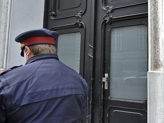 Gegen einen Chefinspektor der Wiener Polizei werden schwerwiegende Vorwürfe erhoben
