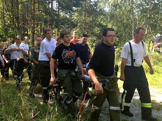 40 Mann schwärmten in Neunkirchen aus, um die Schwammerlsucher zu finden