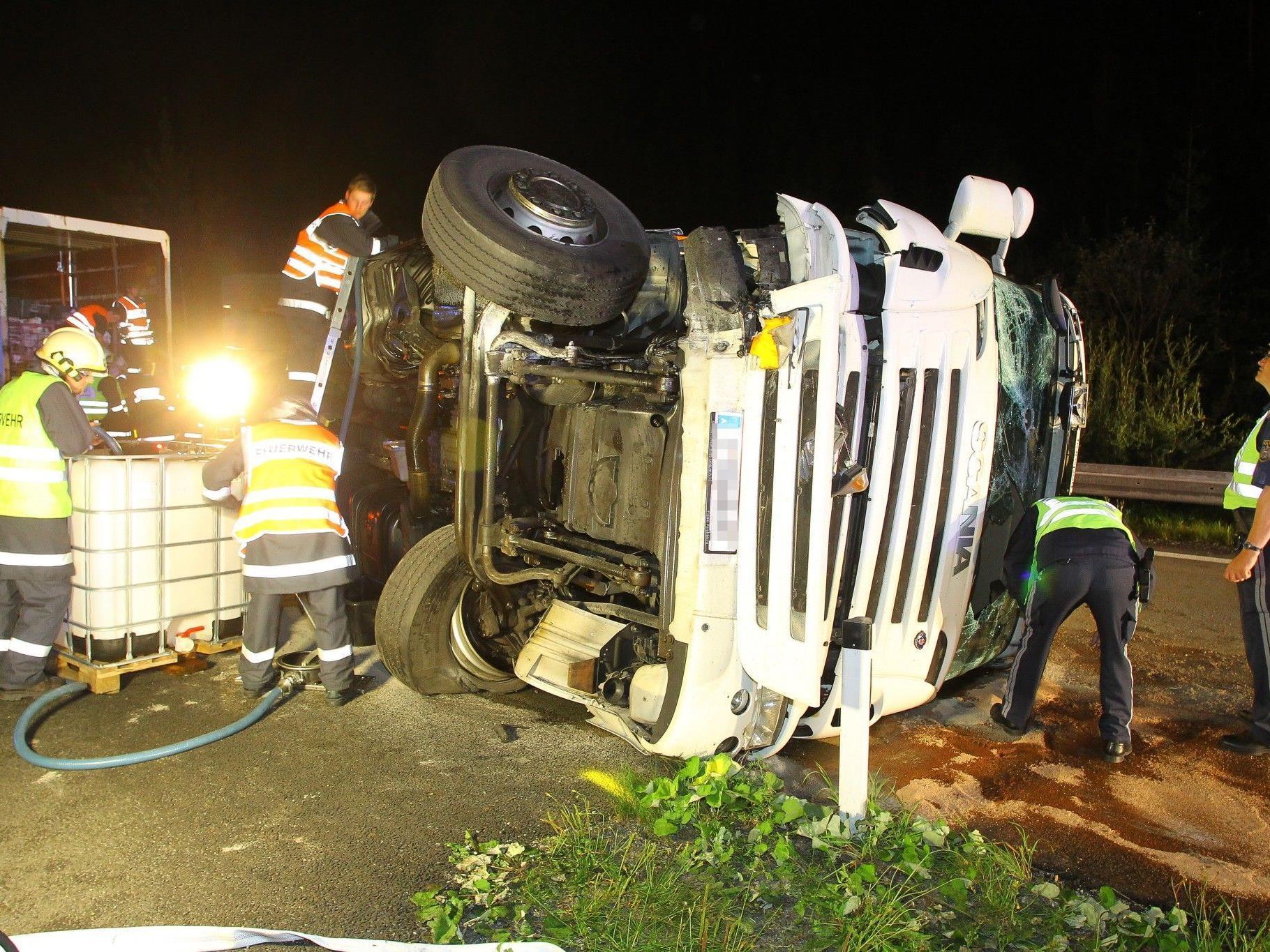 Schwerer Lkw-Unfall auf der S16