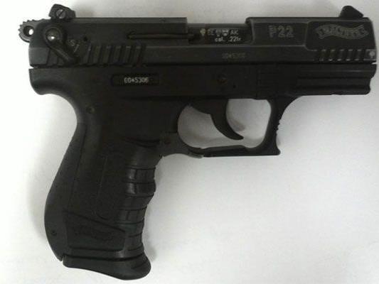 Mit dieser Pistole bedrohte ein Mann in Wien-Fünfhaus einen Gast