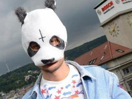 Der Stuttgarter Rapper Cro gibt ein Panda-Gastspiel in Wien.
