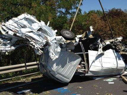 Nach dem schweren Unfall war die S4 stundenlang gesperrt.