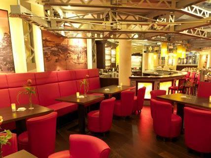 In stilvollem Ambiente können VIP-Gäste während der Wiener Wiesn auf der Herzerl Alm feiern.