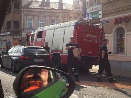 Eine Person wurde bei dem Unfall auf der Breitenfurter Straße am Freitagnachmittag verletzt.