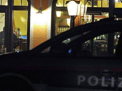Die Kellnerin eines Lokals in Favoriten wurde in der Nacht Opfer eines Raubüberfalls.