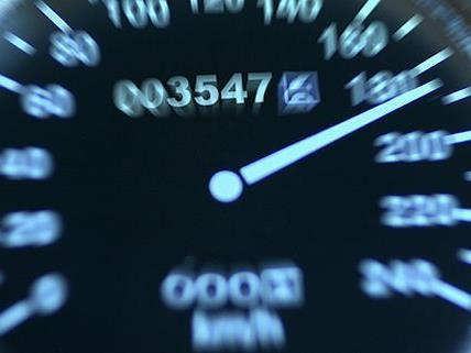 Der Salzburger fuhr etwa um 50 km/h zu schnell.