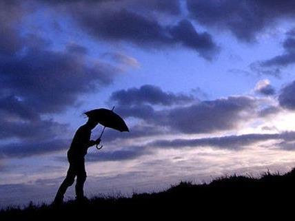 Der Hochsommer zeigt sich zeitweise von seiner regnerischen Seite.