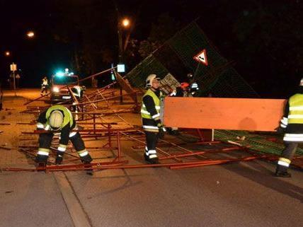 In der Nacht auf Montag sorgte ein Sturm für zahlreiche Feuerwehreinsätze in Niederösterreich.