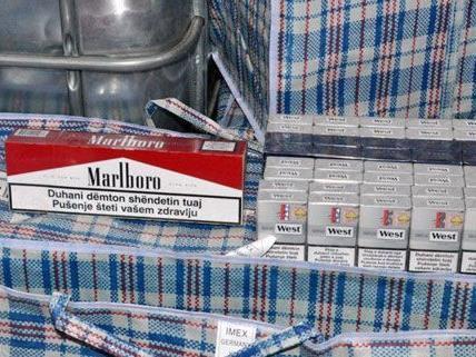 Die Zollfahndung hat in OÖ einen Zigarettenschmuggel im großen Stil aufgedeckt.