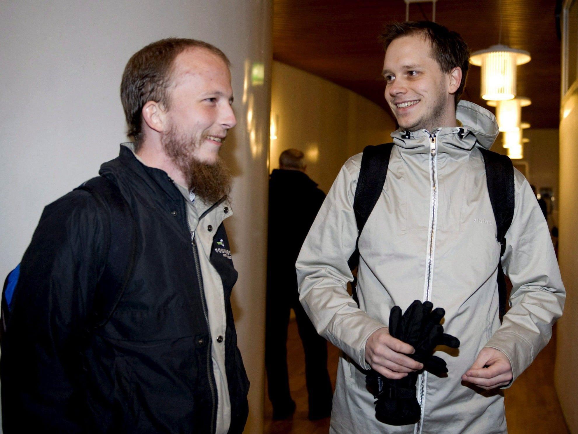 Pirate Bay: Gottfrid Svartholm Warg (links) und Peter Sunde beim Prozess in Stockholm.