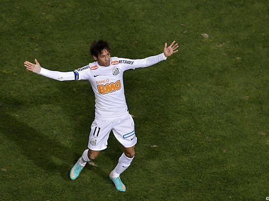 Neymar freut sich über den Erfolg