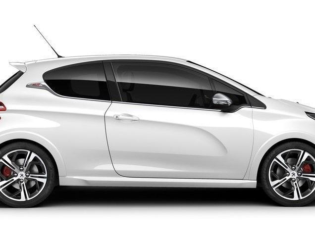Peugeots Kraftzwerg soll den VW Polo angreifen.