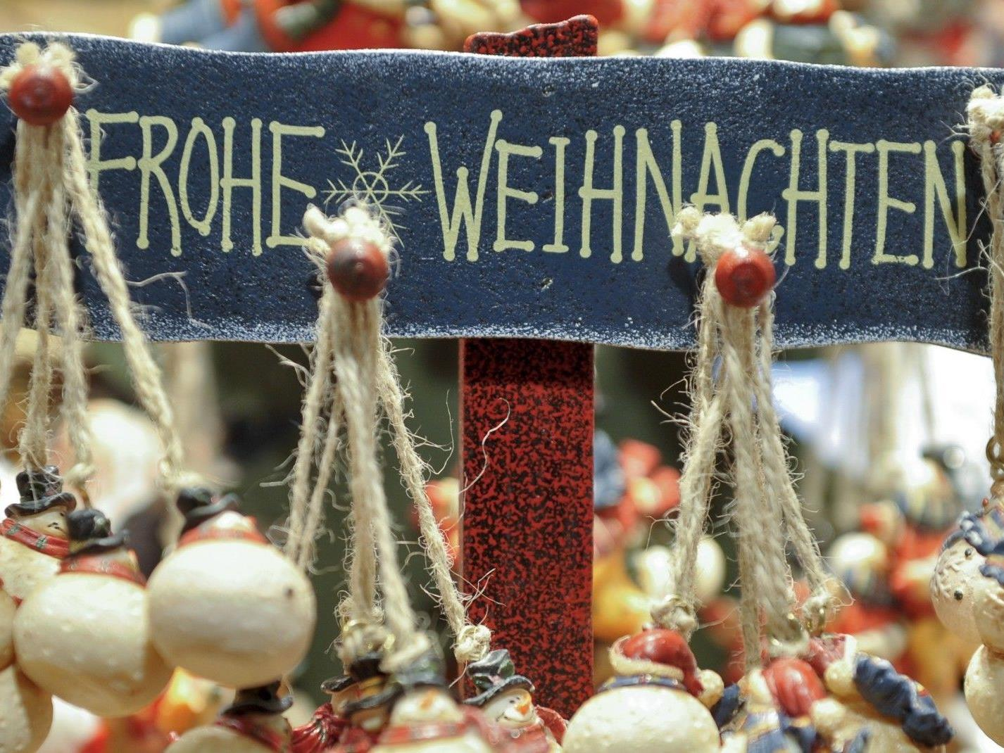 Vom 17. November bis 24. Dezember verwandelt sich der Rathausplatz zum Wiener Adventzauber.