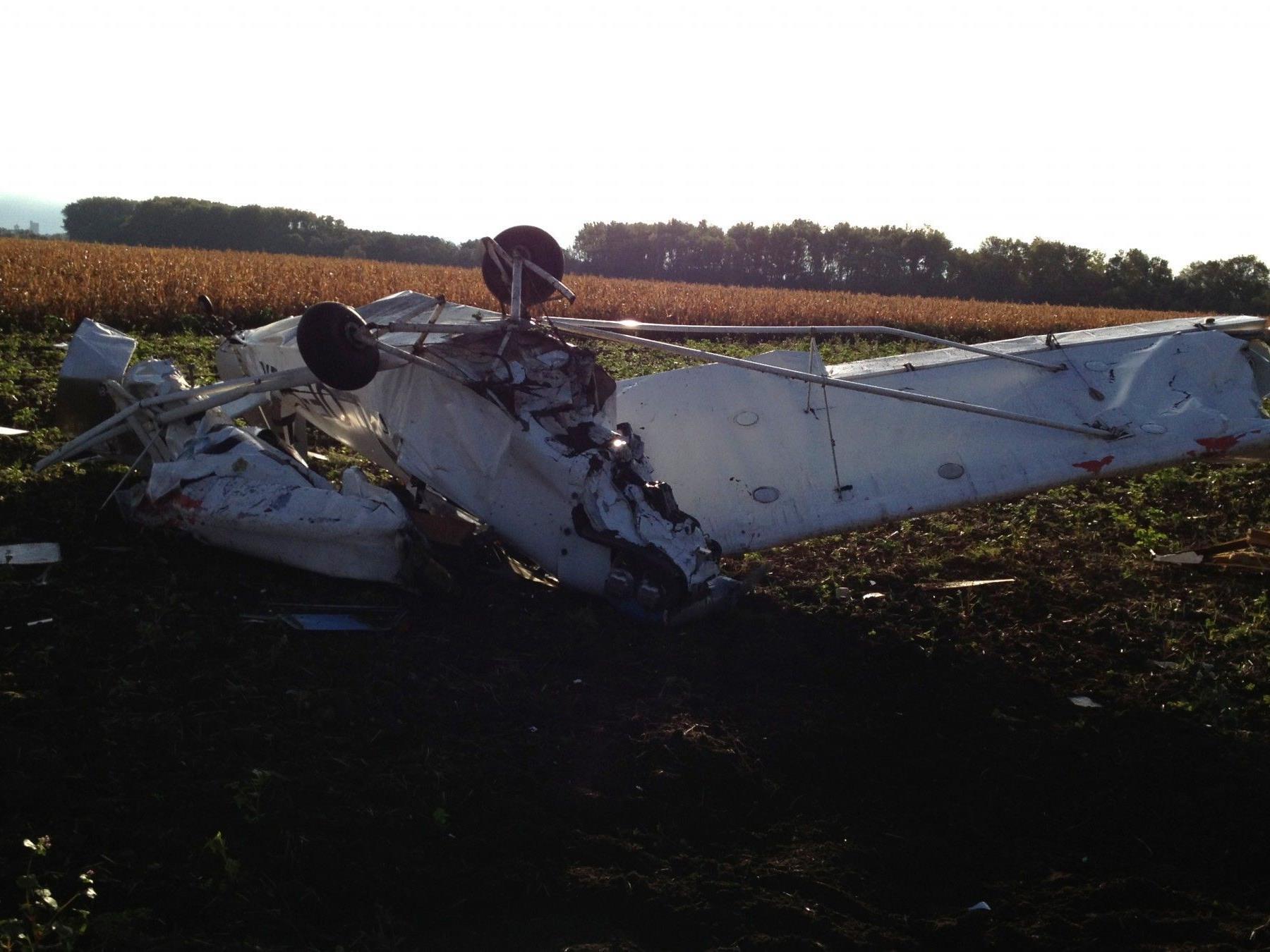 Bei einem Kleinflugzeugabsturz im Burgenland wurde eine Person verletzt.