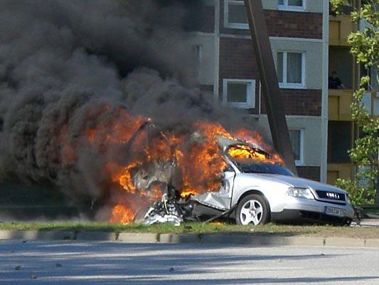 Der Wiener konnte sich gerade noch aus dem brennenden Auto retten