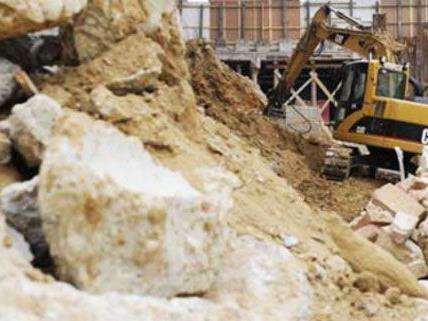 In Wien-Neubau wurde ein Arbeiter in einer Baugrube verschüttet