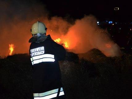 Strohballenbrand zwischen Natschbach und Loipersbach